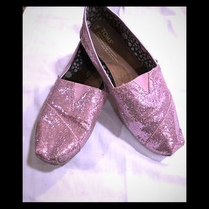 Tom pink sparkle flats sz W8